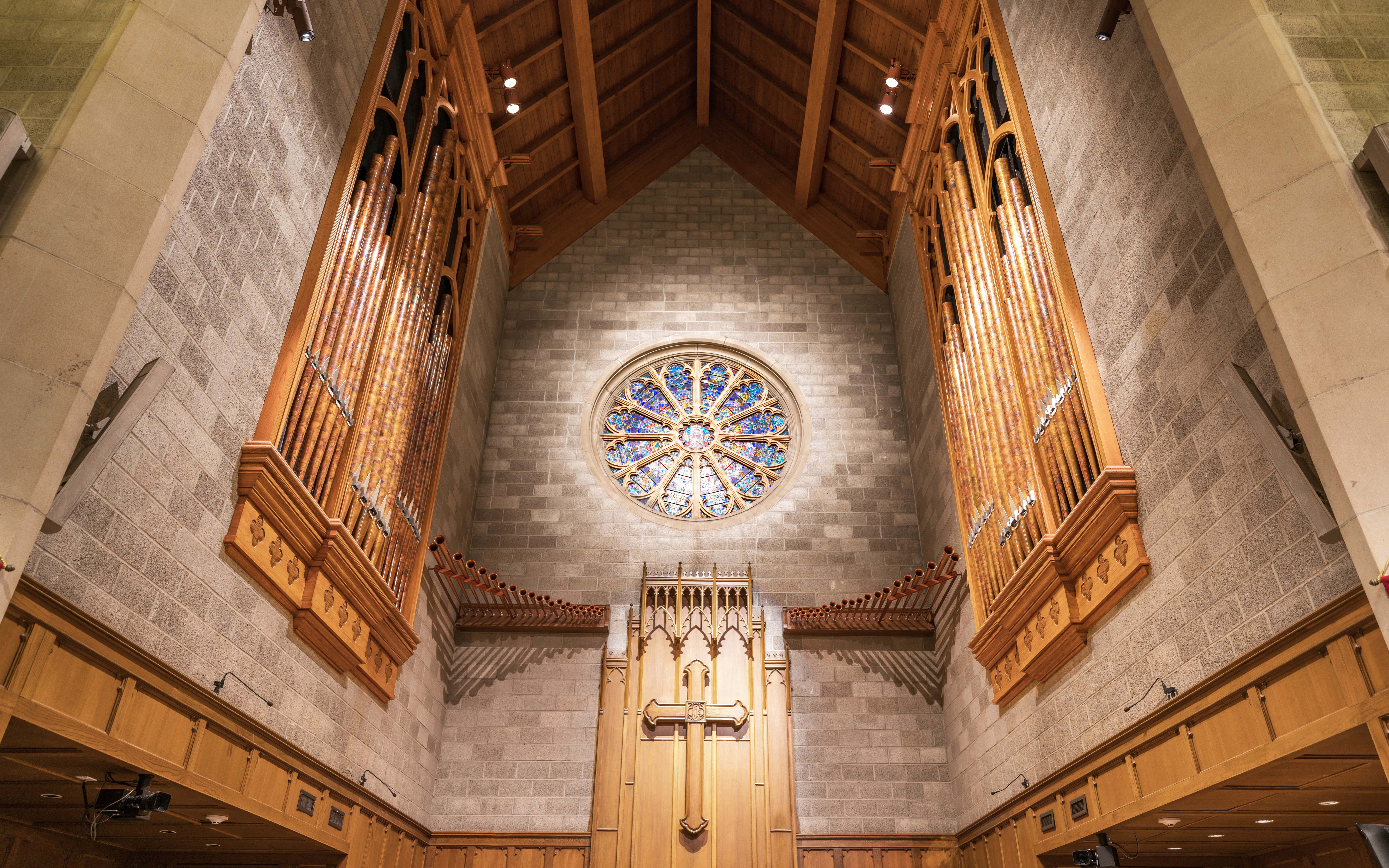 Tucked tightly into the peaceful sanctuary at Pulaski Heights United Methodist Church, sits one of many Nichols & Simpson completed organs. (Photo by Bobby Burton)